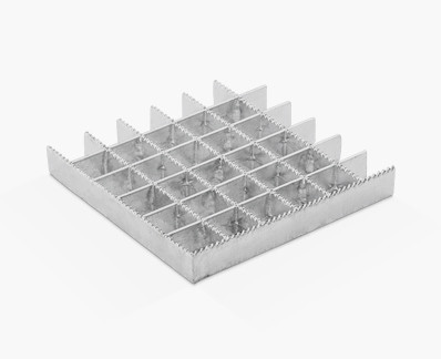 Pressed grating with equal strips and continuous serrations on separator bars