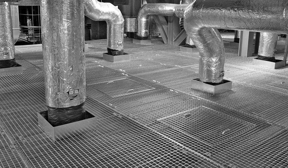 Las rejillas metálicas, un aliado silencioso en la industria