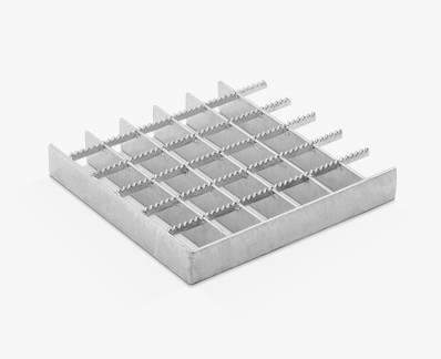Pressed grating with different strips and continuous serrations on separator bars